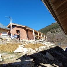 Vista esterna delle abitazioni. Foto di R. Angelini 2011