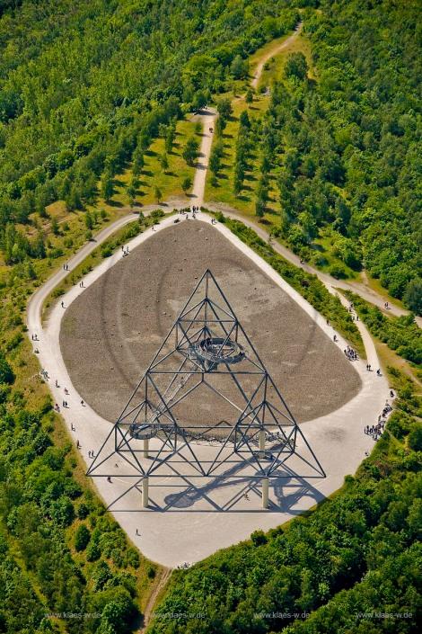Vista dall'alto del Tetraeder Bottrop all'interno dell'Emscher Park. Foto su: www.klaes-w.de