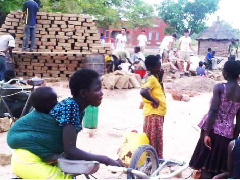 1.Work in progress - Sourgoubila project (Burkina Faso) realizzato con gli studenti AtelierPaoloCascone-Esa e con la comunità locale