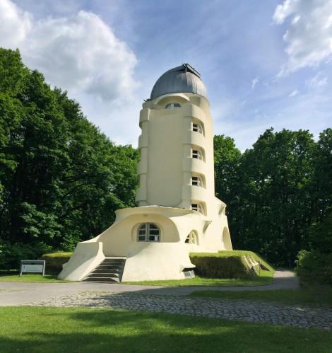 Mendelsohn Eric., Torre Einstein fonte: www.archdaily.com